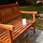 Sitzbank neu streichen – so erhält Ihre Gartenbank neuen Glanz